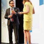Kongress-Moderatorin Kristina zur Mühlen interviewt Roboter-Entwickler Sami Haddadin | Digitalisierung | Robotik | Innovationen