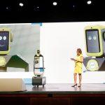 Bühnenshow mit Kongress-Moderatorin Kristina zur Mühlen und Roboter Yolandi |Digitalisierung |Robotik |Innovationen