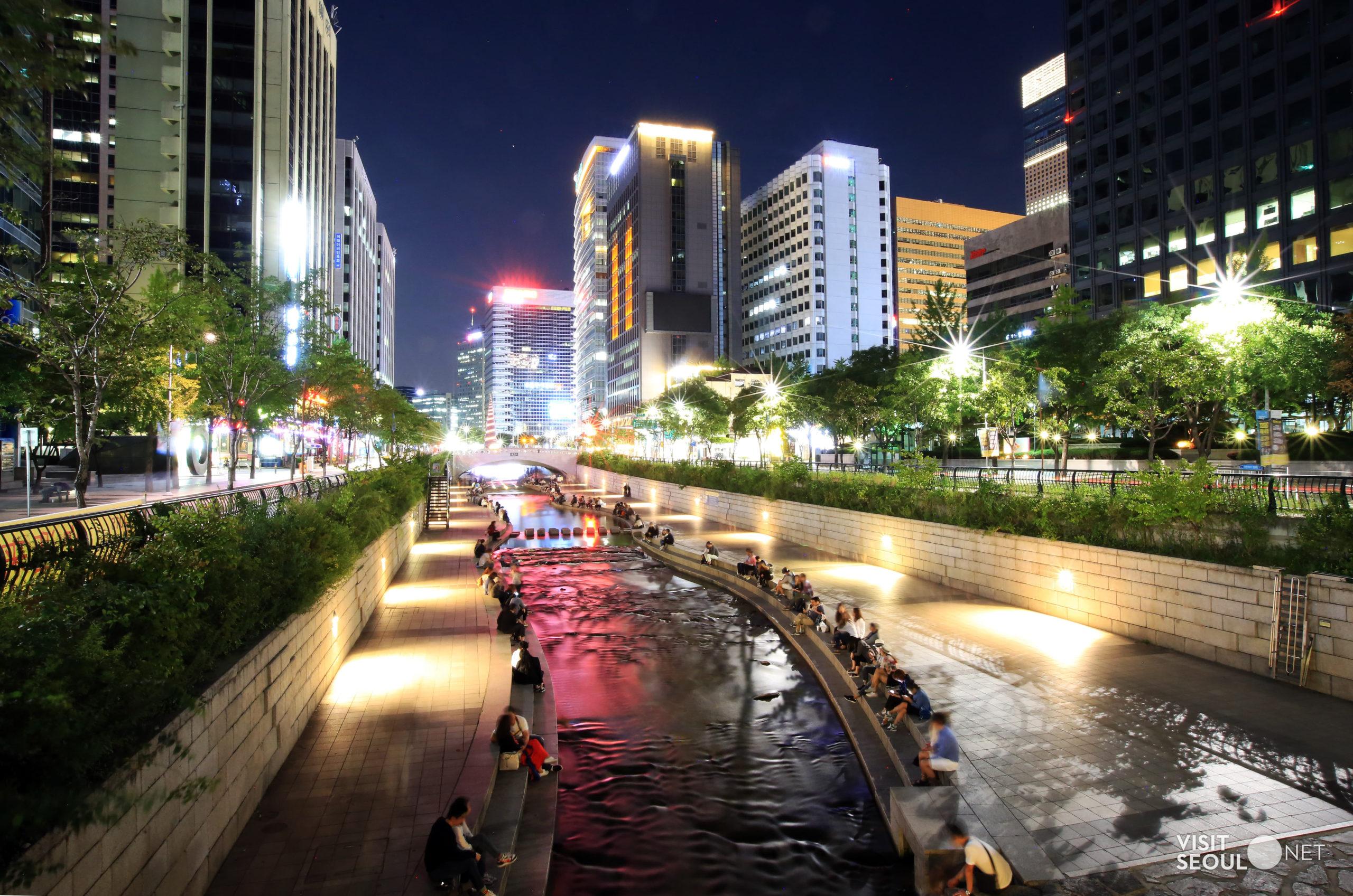 Der Fluss Cheonggyecheon