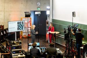 Kristina zur Mühlen im Live-Gespräch |Totale